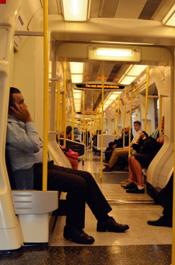 伦敦街景:地铁里的风景