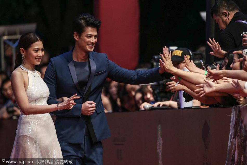 群星闪耀上海电影节闭幕红毯