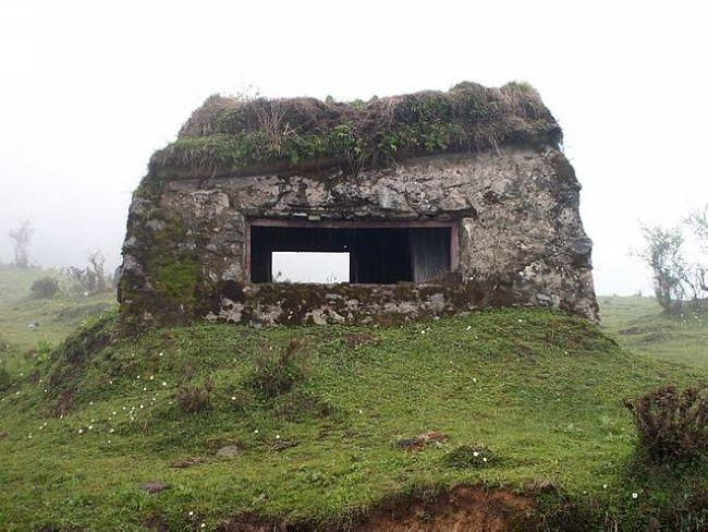 羌族碉堡矢量图