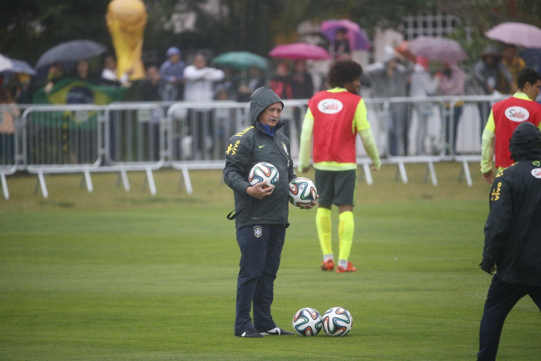 2014年7月11日,巴西利亚,2014巴西世界杯第30日,巴西冒雨备战季军战,为荣誉而战。