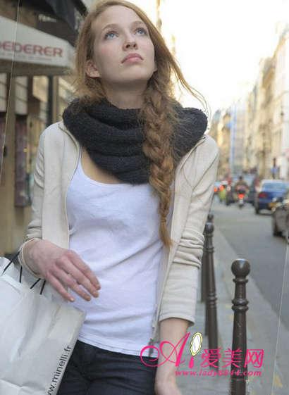 搭出显瘦层次感全靠百变围巾系法