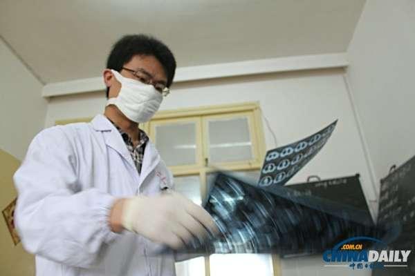 实地探访中国艾滋病人治疗专区