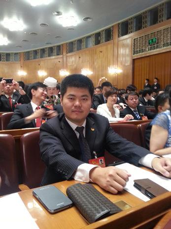 ·我校博士生杨健今日上午出席共青.