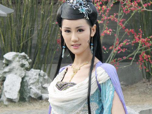 于咏琳出演神话古装美女受关注 近年,于咏琳出演了多部热播剧,也以