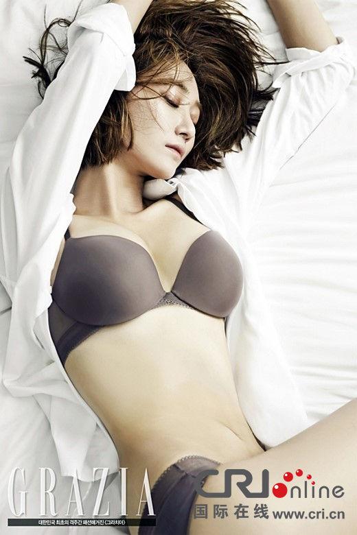 性感 写真 曲线/韩女星高俊熙再爆内衣写真拍大尺度床照尽显性感曲线