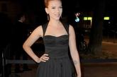 """""""女神""""Scarlett Johansson(斯嘉丽-约翰逊)看秀复古动人。"""