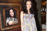 舒淇在香港出席某活动,身着舒淇在香港出席某活动,身着史黛拉 麦卡特尼的蓝黄花纹娃娃裙,黄色鱼口鞋搭配的非常漂亮!