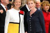 当地时间2012年5月23日,英国伦敦,为纪念英国女王伊丽莎白二世登基60周年,皇家艺术学院特别举办艺术庆典活动。超模阿格妮丝-迪恩(Agyness Deyn)、保罗-麦卡特尼夫妇(Sir Paul McCartney)、莉莉-科尔(Lily Cole)、U2主唱波诺(Bono)、米兰达-理查德(Miranda Richardson)、设计师Matthew Williamson、Henry Holland、维维安-韦斯特伍德(Dame Vivienne Westwood)、汤姆-希德勒斯顿(Tom Hiddleston)、约翰-赫特(John Hurt)等应邀出席。
