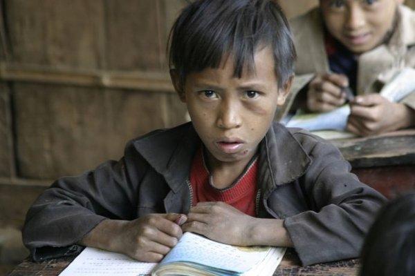 中国贫困儿童剪影