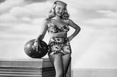 图为:Barbara Bates, 1948