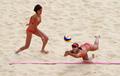 中国军团首日沙滩排球赛 薛晨张希出战