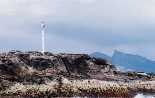 钓鱼诸岛自古以来就是中国的领土,它和台湾一样是中国领土不可分割的一部分。中国对钓鱼诸岛及其附近海域拥有无可争辩的主权。我国的这一立场有充分的历史和法律依据。但是1895年日本在中日甲午…