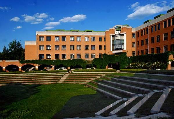 清华大学校园风景图片