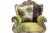 """华丽春色单人沙发    此款沙发以绿色为主调,搭配或明或暗的纹饰和盛开的花朵,表达了""""春色满园关不住""""的美丽景色。"""