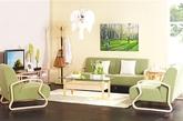 淡雅风信子    干净的墙面,只有一幅沐浴在阳光中的梧桐林的简单壁画,茶几上未完全开放的风信子旁边,摆着几只酸涩的青苹果。纯绿色的沙发让居住者有在春天的树林中、草地上的感觉。    打造方法:对于喜欢简约风格的消费者,沙发、茶几、电视柜等家具均以简约的线条和造型为主,不用过多修饰,却自成一体。绿色沙发深浅适宜,淡雅中又迎合了年轻人的时尚感。