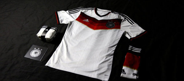 德国队2014年巴西世界杯新款球衣-德国队发布2014世界杯新款球衣图片