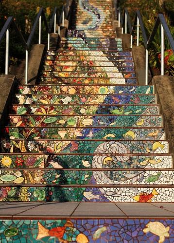 瓷砖碎片玩转创意 社区艺术点亮城市风景