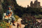 据英国《每日邮报》6月15日报道,英国已故伊丽莎白王太后(英女王伊丽莎白二世的母亲)所属的梅伊堡现提供出租业务,只要你有足够广的人脉和知名度,支付5万英镑(约合52万人民币),就可以在那里度过一个惬意周末。图为已故英女王伊丽莎白和梅伊堡。