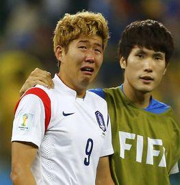 韩国11打10被绝杀回家 孙兴民当场泪奔