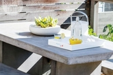 什么是现代户外家具的理想材料?它要坚硬、耐用、而且看上去能够能够持久使用。国外著名设计师创造出惊人的椅子,桌子,台灯,衣架,凳子,而使用了令人意想不到的材料——混凝土。这宗家居看起来拥有着钢铁或者玻璃般的质感,而且看起来具有现代感。其中最令人印象深刻的莫过于由 Florian Schmid制作的拼接混凝土凳子,通过折叠和缝合的帆布定型淋了水,然后让它凝固定形,通过这些混凝土块的拼接,使您的庭院或露台更加时尚,充满设计灵感。(实习编辑:温存)