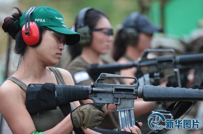 的m16突击步枪和m4a1卡宾枪、m1911系列手枪、散弹枪,进行高清图片