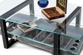 圆形的玻璃桌面配上闪亮亮的电镀外壳,飞机引擎变成时尚的室内家具,即使不再翱翔于天际,也用最棒的方式来面对退役后的生活。(实习编辑:石君兰)