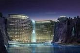 洲际世茂仙境酒店由英国建筑事务所Atkins设计。 建筑预计在今年竣工,届时将和迪斯尼乐园一起成为上海的度假地标建筑。(实习编辑:周芝)