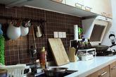 厨房的面积相对是较大的,有6平米多。