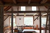 这个美丽的谷仓使得康涅狄格州的工作室趋于完美。