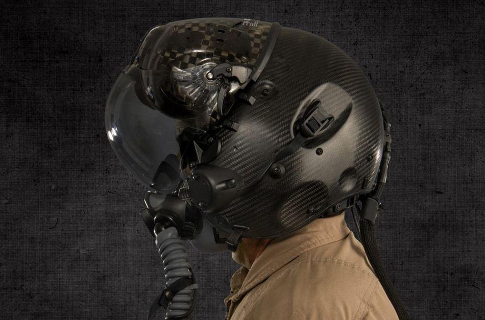 美军f-35头盔显示系统科幻值爆表 酷似苍蝇脑袋