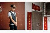何小兵,17岁,漂亮发型。小兵想向我们展示他的宿舍,但门是锁着的。他没有自己的钥匙。