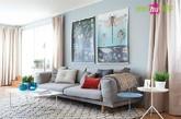 三、宜家风格现代客厅。灰色沙发是北欧宜家风的首选,加上纯色棉麻的各色抱枕,空间并不单调,白色蓝白小桌简约线条点缀,加上茶几上那蓝色玻璃的花器摆件,亮点便出来了。
