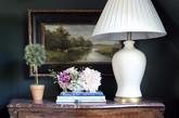 匠心独运,精心雕琢,一个简单的桌子可以如此优雅,整个空间也因为桌子的存在不再空洞。