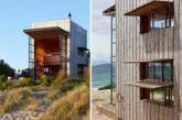 """如果一间仅占地40平米的移动海边木屋还不足够令你惊喜的话,那么我告诉你它还能同时容纳五口之家,叠起""""墙面""""便能将客厅变成名副其实的阳光暖房。(实习编辑:谭婉仪)"""
