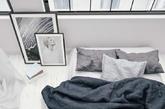 基本色的床上用品。不要选择那些花花绿绿的面料,尽量选择自然色(绿、蓝)或者基本色(黑白灰),把心思都放在选购优质枕芯或者羽绒被芯上吧。