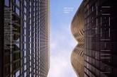 """无意中浏览到这张《MAS Contex》25-26期的封面,角度之精妙让人拍案:右侧是Bertrand Goldberg设计的野性主义经典之作Prentice Women's Hospital,它像一位站立的女性,有两只形状姣好的乳房;而左侧皮包骨密斯式的极简主义建筑则像极一位挺拔的男性。就质感而言,右侧的混凝土相比左侧的钢骨玻璃具有了某种颗粒感和柔软度,二者矜持相对,让人浮想联翩。在分别发生于20世纪初、20世纪中叶以及新千年的四则建筑趣事的撩拨之下,聊作这篇《性与摩天楼》,在""""优衣库试衣间""""事件的风口浪尖,以正视听!(实习编辑:刘嘉炜)"""