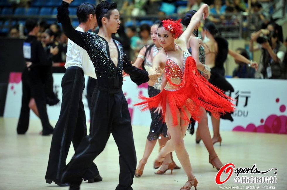 成都国际体育舞蹈节 性感美女出战高清