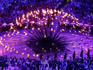 伦敦奥运火炬点燃