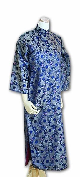 丁明俊当年穿的蓝旗袍。