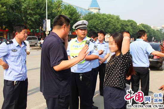"""滨州阳信""""马大哈""""考生准考证遗落校车上民警帮助快速找回"""