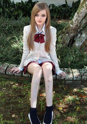 美国16岁少女长得又 假 又惊艳图片
