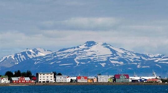 小城故事多 冰岛阿库雷里图片