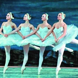俄罗斯的芭蕾舞世界闻名。