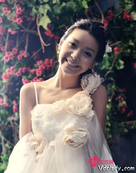 韩式公主气质新娘盘发 甜美优雅又有时尚感