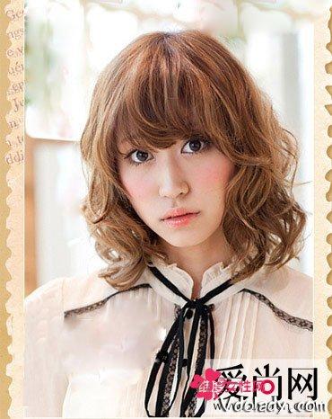 5款浪漫小女人烫染发型 蓬松小卷发靓丽俏皮图片