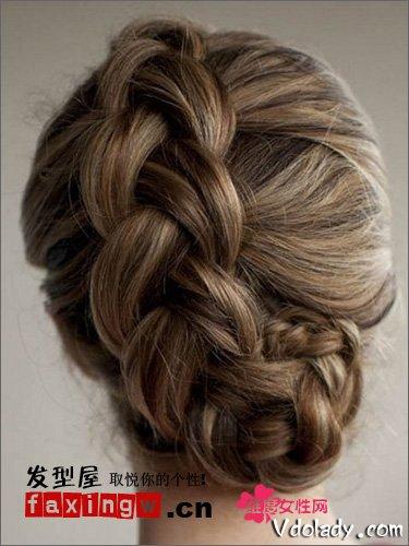 2013最新复古款编发盘发教程教学了,让美女们约会魅力提升的气质发型图片