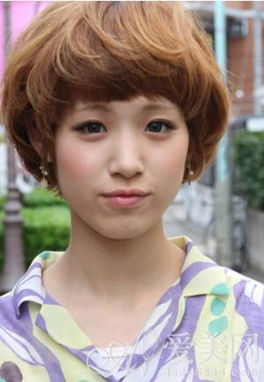 凤凰时尚             短发俏皮蘑菇头   适合脸型:圆脸 瓜子脸   各