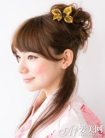 日式高髻花苞头半扎发 婉约又时尚