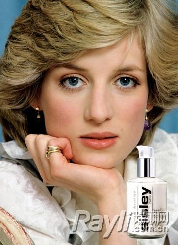 【有意思】12位名人化妆包里的私房美妆单品