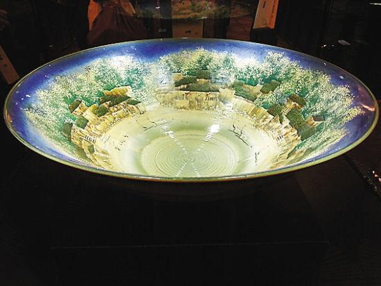 收藏现代瓷器可从中青年大师作品入手
